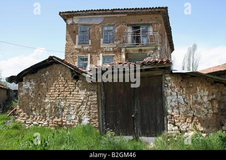 Greece Macedonia Antonios a small farming village neglected house - Stock Photo