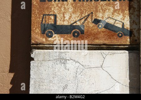 car tow away parking restriction road sign in italy - Stock Photo