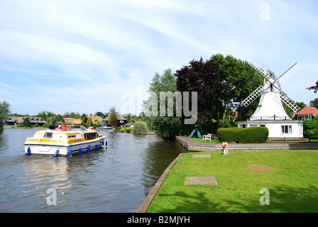 Cruise boat on River Bure, Horning, Norfolk Broads, Norfolk, England, United Kingdom - Stock Photo