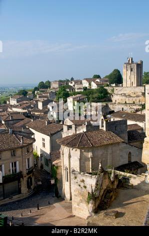 Village of Saint Emilion, Gironde, Aquitaine, France, Europe - Stock Photo
