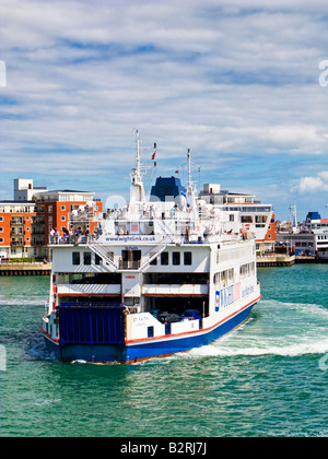 Isle of Wight car ferry leaving Gunwharf Quay, Portsmouth Harbour, Hampshire, England UK - Stock Photo