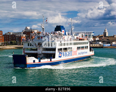 Isle of Wight car ferry leaving Gunwharf Quay, Portsmouth Harbour, Hampshire, England, UK - Stock Photo