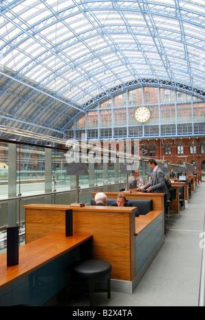 Champagne Bar, St.Pancras International Station, Euston Road, Camden Borough, London, England, United Kingdom - Stock Photo