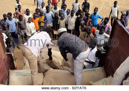 africa, kenya, kakuma refugees camp, distribution of food - Stock Photo
