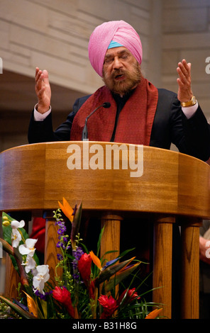 KP SING speaks at an INTERFAITH PRAYER SERVICE with the 14th DALAI LAMA of TIBET ST PAUL CATHOLIC CENTER BLOOMINGTON - Stock Photo