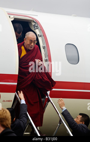 The14th DALAI LAMA arrives via private jet to teach Tibetan Buddhism on October 2007 TIBETAN CULTURAL CENTER - Stock Photo