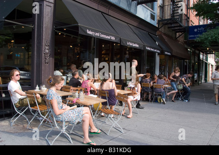 Al fresco dining at Le Pain Quotidien cafe in Greenwich Village in New York - Stock Photo