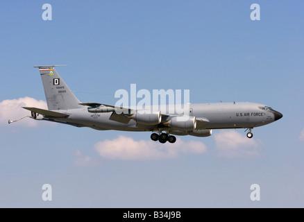 USAF Boeing KC 135R Stratotanker landing at RAF Mildenhall - Stock Photo