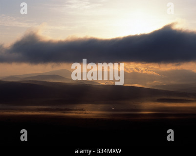 Kenya, Rift Valley Province, Naivasha. Early morning in Africa's Great Rift Valley, just south of Lake Naivasha. - Stock Photo