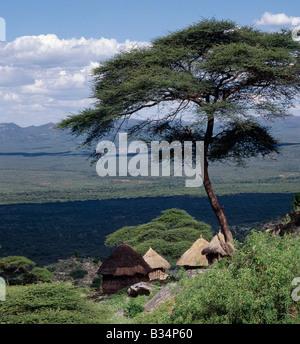 Kenya, Cherangani , Tot Escarpment. Traditional Marakwet houses built on the rocky eastern slopes of the Cherangani - Stock Photo