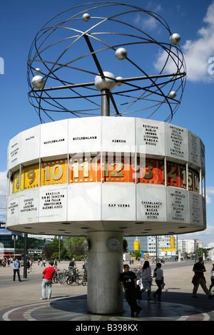 Deutschland, Berlin, Weltzeituhr am Alexanderplatz, World Time Clock, Alexanderplatz, Berlin, Germany - Stock Photo