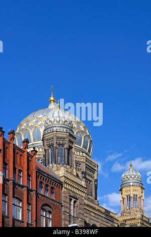 gold dome of berlin synagogue stock photo royalty free. Black Bedroom Furniture Sets. Home Design Ideas