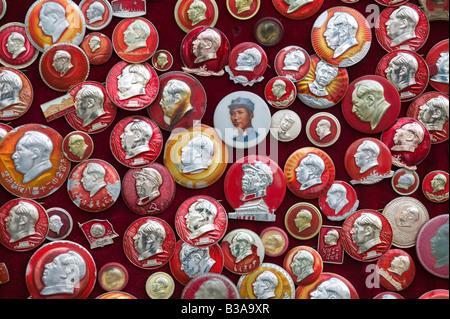 China, Beijing, Xuanwu District, Liulichang Xijie, Beijing's Antiques Street, Collectible Chairman Mao pins - Stock Photo