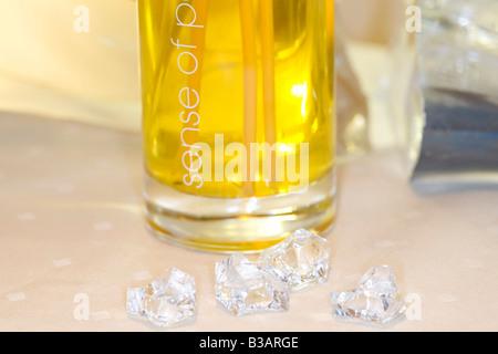 Massageoel in einer Flasche, massage oil in small bottle - Stock Photo