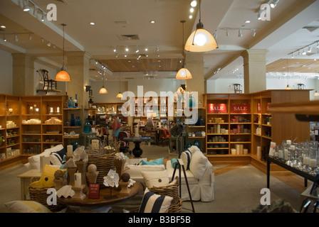 Pottery Barn Store Interior Stock Photo Alamy
