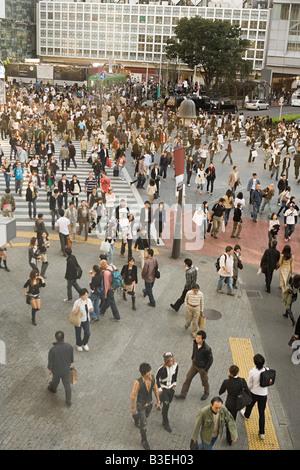 People on pedestrian crossing in tokyo - Stock Photo