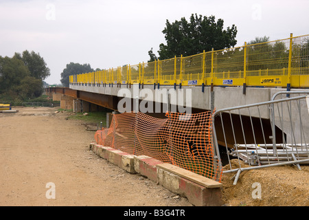 New bridge in the process of being built across the River Ouse at St. Ives ready for the new Guided Bus route - Stock Photo