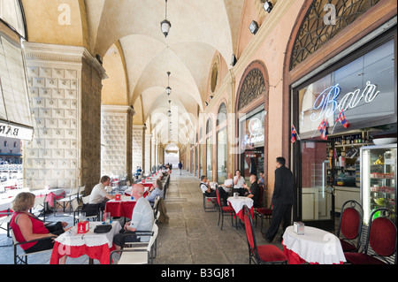 Cafe Bar in a portico in the historic centre, Piazza Maggiore, Bologna, Emilia Romagna, Italy - Stock Photo