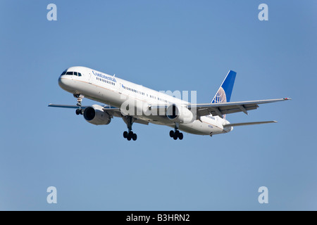A Continental airlines Boeing B757 - Stock Photo