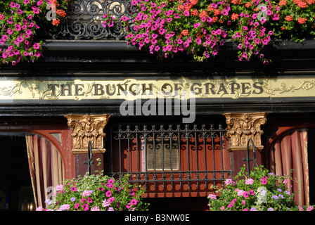 Exterior of the Bunch of Grapes pub in Brompton Road Kensington London England - Stock Photo