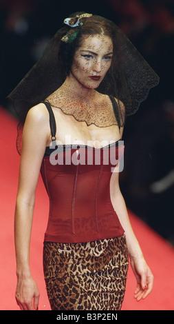 Dolce & Gabbana Milan Ready to Wear Autumn Winter 2011 ...