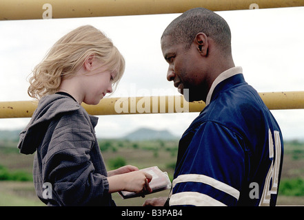 MAN ON FIRE 2004 TCF film with Denzil Washington as the bodyguard and Dakota Fanning as the girl he is hired to - Stock Photo