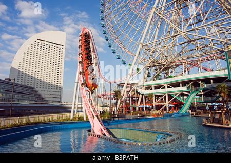 Japan, Kanagawa prefecture, Yokohama. Minato Mirai amusement park rollercoaster - Stock Photo