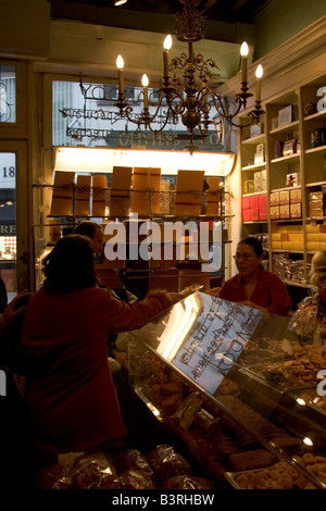 Historic biscuit shop Dandoy, 31 rue de la Beurre near the Grand Place selling traditional ginger shortbread and - Stock Photo