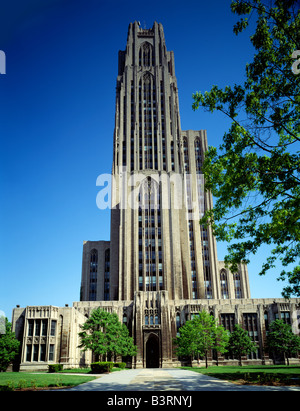 UNIVERSITY OF PITTSBURGH; CATHEDRAL OF LEARNING, PITTSBURGH, PENNSYLVANIA, USA - Stock Photo