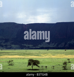 Tanzania, Arusha Region, Mto was Mbu. A section of the western wall of the Gregory Rift (a part of the eastern branch - Stock Photo