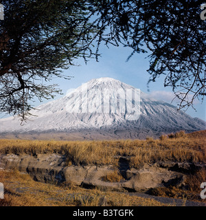 Tanzania, Northern Tanzania, Ol doinyo Lengai, the Maasai's 'Mountain of God', is the only active volcano in the - Stock Photo