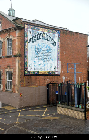 The Freedom mural commemorating the ten Irish Republican hunger strikers who died in 1981. - Stock Photo