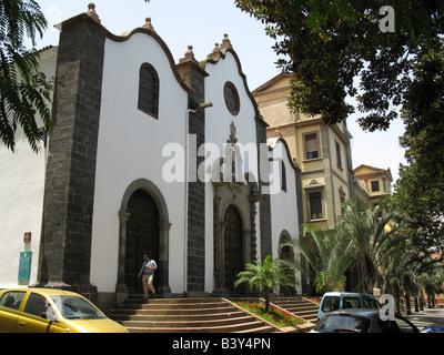 Church of San Francisco (Iglesia de San Juzgados Francisco) in Santa Cruz de Tenerife in the Canary Islands. - Stock Photo