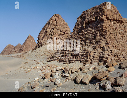Sudan, Sahara Desert, Nuri. The ancient pyramids at Nuri date between 700BC and 300BC. Nineteen kings and fifty - Stock Photo