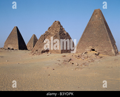 Sudan, Sahara Desert, Jebel Barkal. Between 400BC and 300BC, the ancient pyramids at Jebel Barkal were used as the - Stock Photo