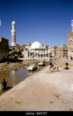 geography / travel, Yemen, Sanaa, Wadi Saila, mosque, minaret, - Stock Photo