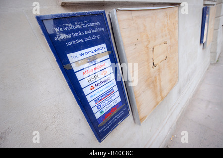 Barclays Bank cash machines boarded up in Brighton. - Stock Photo