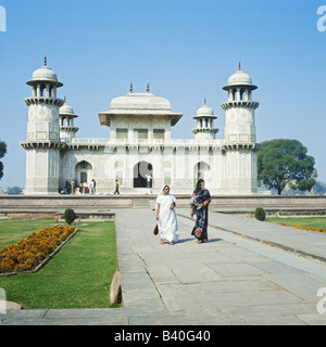 Itmad-Ud-Daulah's tomb Agra India - Stock Photo