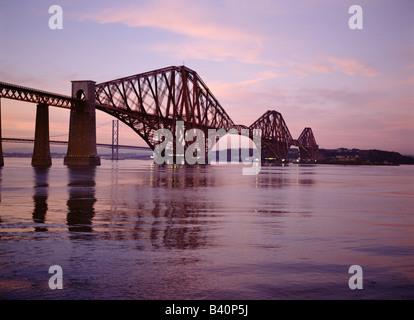 dh Railway Bridge Scotland FORTH BRIDGE FIRTH OF FORTH Scottish engineering Victorian Cantilever steel rail bridges Lothian sunset dusk