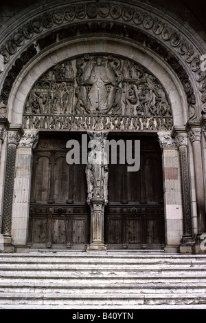 architecture, churches and convents, Autun, Saint-Lazare cathedral, exterior view, detail, tympanum, west porch, - Stock Photo