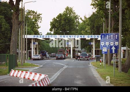 Russian-Polish border crossing in Gronowo, Poland - Stock Photo