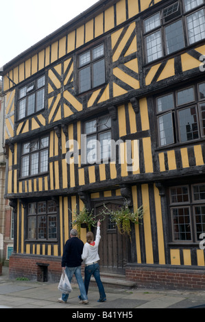 One of the old Tudor or Elizabethan era buildings in Ludlow town,  Shropshire England UK - Stock Photo