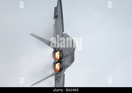 Modern and stealth american jet fighter F-22A Raptor turning - Arctic Thunder airshow 2008 - Anchorage - Alaska - Stock Photo