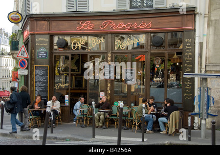 Le progres cafe bistro montmartre paris stock photo for Le miroir restaurant montmartre