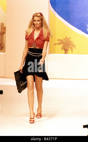Schiffer, Claudia, * 25.8.1970, German model, full length, fashion show, summer collection 1995, Paris, October - Stock Photo