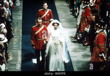 Royal Wedding Princess Anne and Captain Mark Phillips Leaving church after the wedding ceremony November 1973 - Stock Photo
