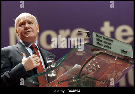 Party Chairman Dr John Reid speaks at the Labour Party Conference in Glasgow 14th February 2003 - Stock Photo