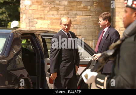 Russian President Vladimir Puting arrives at the Palace of Holyrood House in Edinburgh June 2003 - Stock Photo