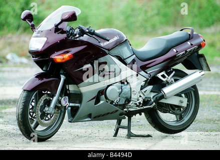 Kawasaki 600 ZZR Motorcycle Road Record June 1998 Motoring Supplement Purple And Silver Motorbike