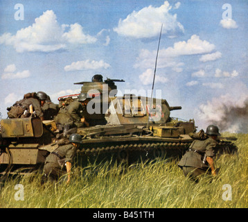 Wehrmacht Panzer and Infantry Attack tank and grenadiers on the Eastern Front in WW II early in the Russian campaign - Stock Photo